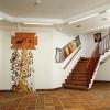 fertiggestelltes Mosaik in der Eingangshalle
